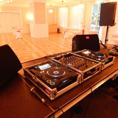 Party Und Dj Equipment 07