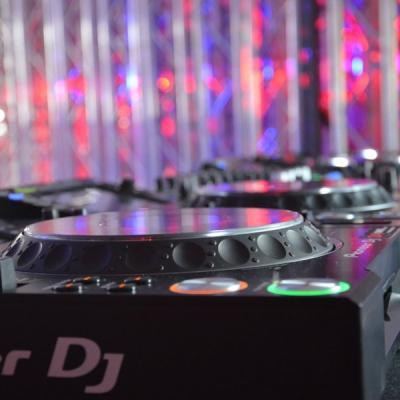Party Und Dj Equipment 14